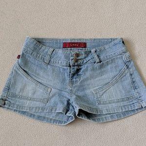 YMI light wash denim shorts Women's Sz 0